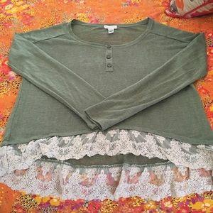 Tops - Cute blouse. Reposhing. Too big for me. New!!!